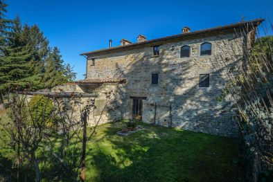 FARMHOUSE FOR SALE IN SANSEPOLCRO, TUSCANY