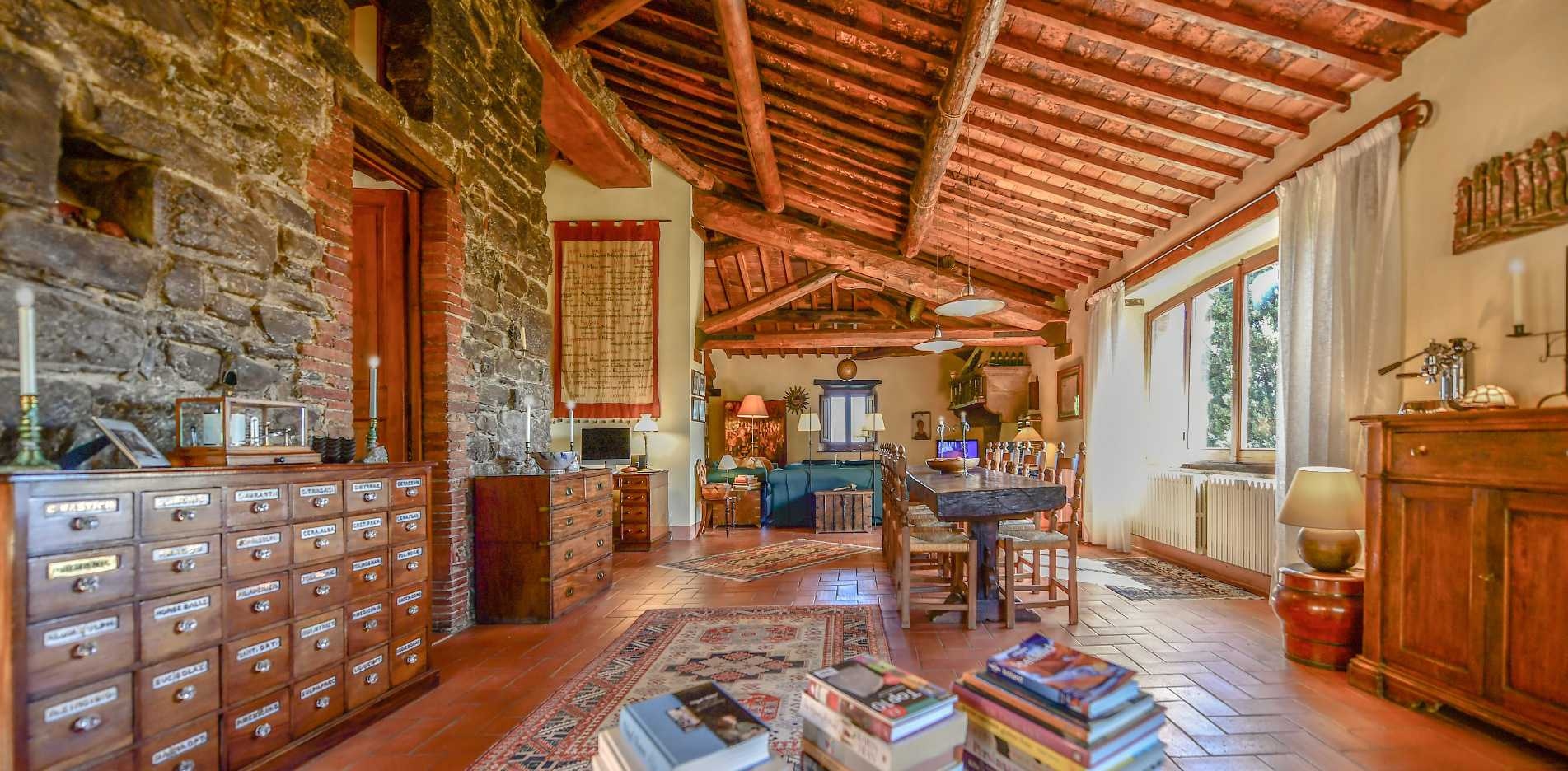 FARMHOUSE FOR SALE IN AREZZO, TUSCANY