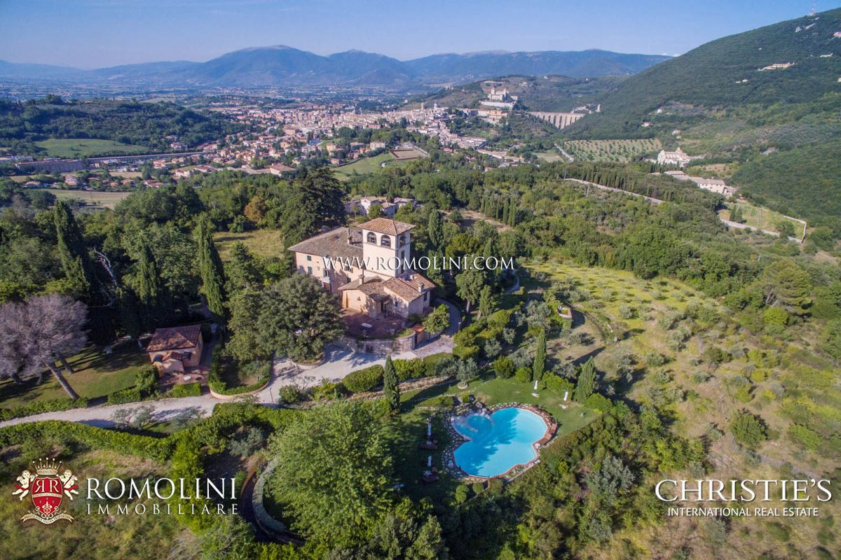 Villa Con 11 Ettari Di Terreno In Vendita A Spoleto Umbria